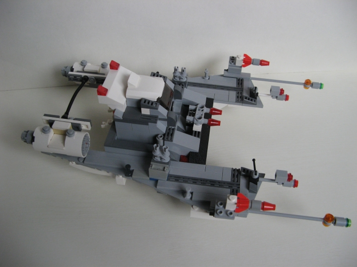 LEGO MOC - In a galaxy far, far away... - 'Pursuer' space ship