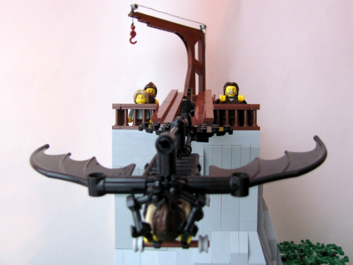 LEGO MOC - Because we can! - Leonardo da Vinci plane: Вдаль от них...