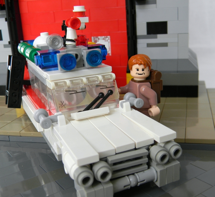LEGO MOC - Heroes and villians - Ghostbuster's firehouse!: Ещё несколько общих видов: