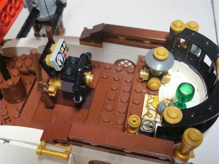 LEGO MOC - Steampunk Machine - Steampunk styled 'Scarlet Sails': Место капитана.