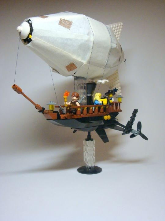 LEGO MOC - Mini-contest 'Zeppelin Battle' - Towards New Adventures