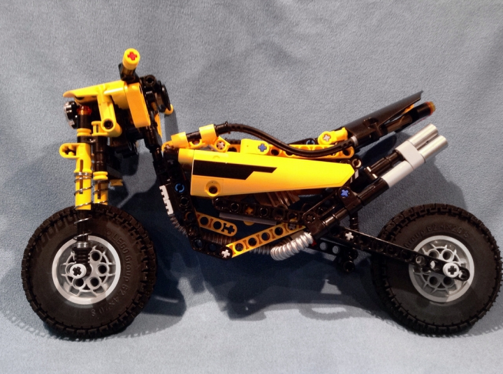 LEGO MOC - Mini-contest 'Lego Technic Motorcycles' - Exceeder